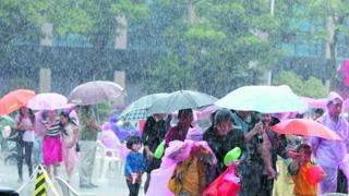 西南及北方地区进入多雨期