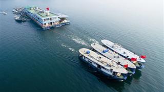 千岛湖连体船队出港